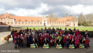 Pferde fuer unsere Kinder e.V. Holzpferdeübergabe in Celle 2016