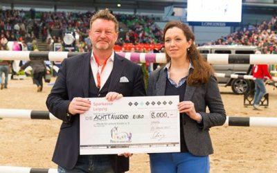 """Spendenübergabe an """"Pferde für unsere Kinder e.V."""" bei der Partner Pferd Leipzig 2017"""