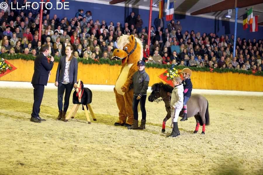 """""""Pferde für unsere Kinder e.V."""" zu Gast bei der Hengstschau des Hof Sosath in Vechta"""