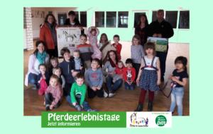 PfuKeV-Pferdeerlebnistag und Holzpferdeübergabe - Reitverein Börde Lamstedt und Kindergarten Nordahn