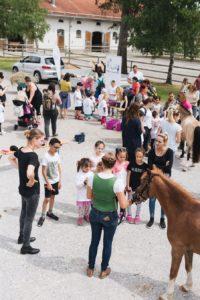 2019-06-22 PfuKeV Eltern-Kind-Tag DM Schwaiganger Oliver_Fiegel - Kinder und Pony (IV)