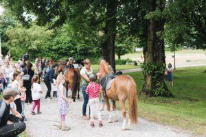 2019-06-22 PfuKeV Eltern-Kind-Tag DM Schwaiganger Oliver_Fiegel - Ponyreiten