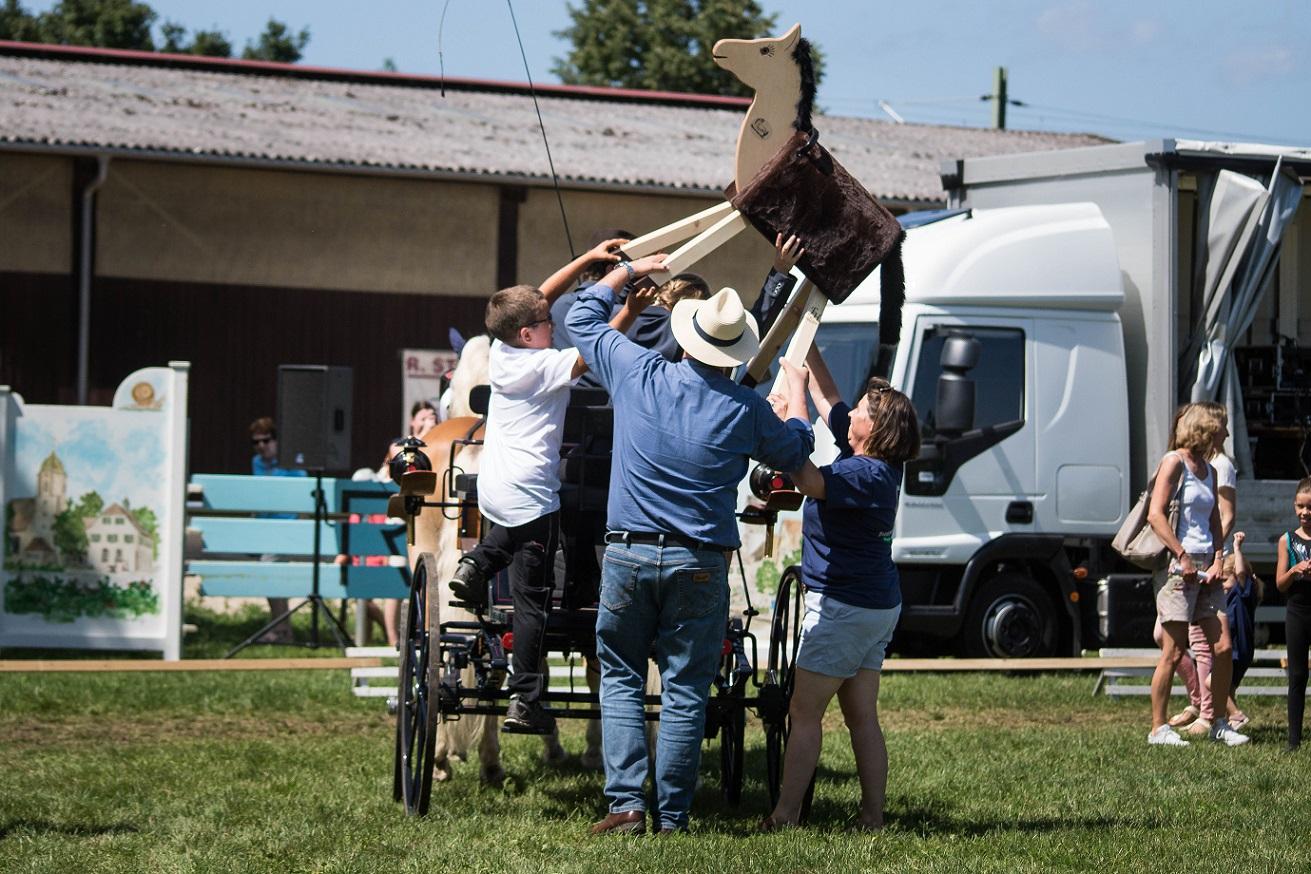 PfuKeV-Projekt 10.000 Holzpferde für Kindergärten - RFV Renningen-Malmsheim (4)