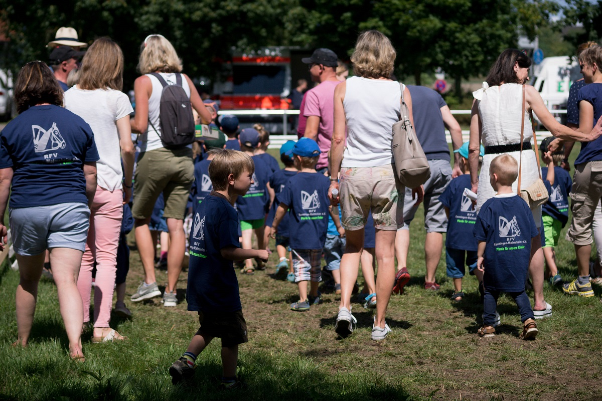PfuKeV-Projekt 10.000 Holzpferde für Kindergärten - RFV Renningen-Malmsheim (8)