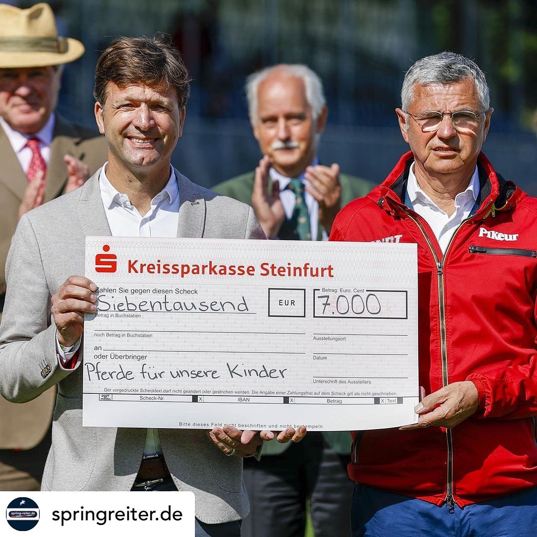 Deutsches Springreiter-Team spenden an Pferde für unsere Kinder e.V.- Foto info@Sportfotos-Lafrentz.de